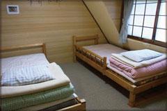 ベッドのある客室